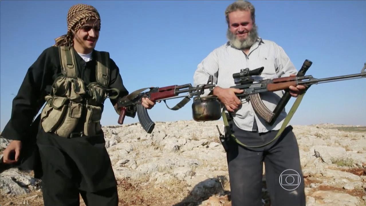 Fantástico::Fotógrafo brasileiro registra de perto confronto na Síria