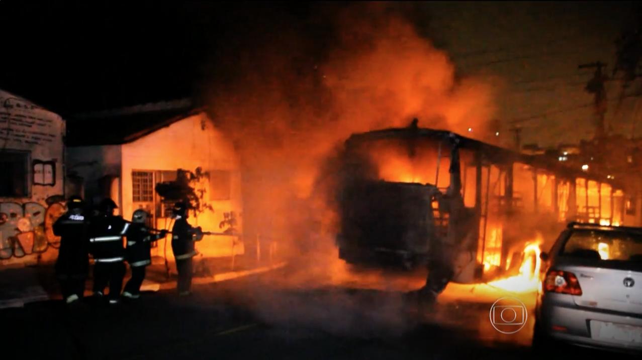 Fant::Motoristas e cobradores de ônibus convivem com o medo no trabalho